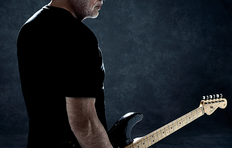 """David Gilmour Honors Prince by Mashing Up """"Comfortably Numb"""" and """"PurpleRain"""""""